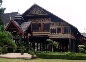 rumoh-aceh-traditional-house