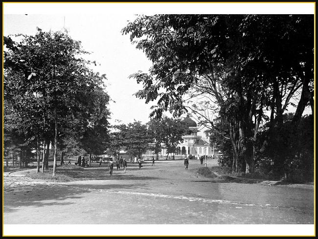 1880 1920